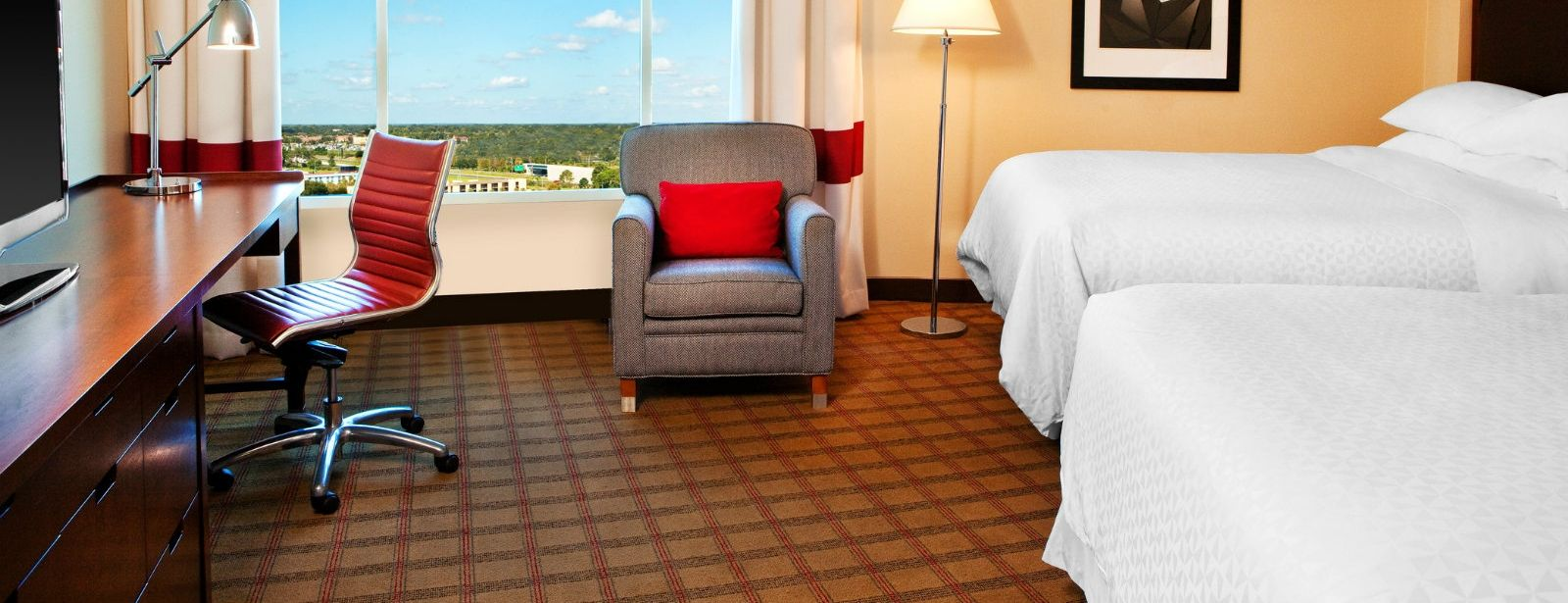 Orlando Accommodations - Deluxe Queen Room